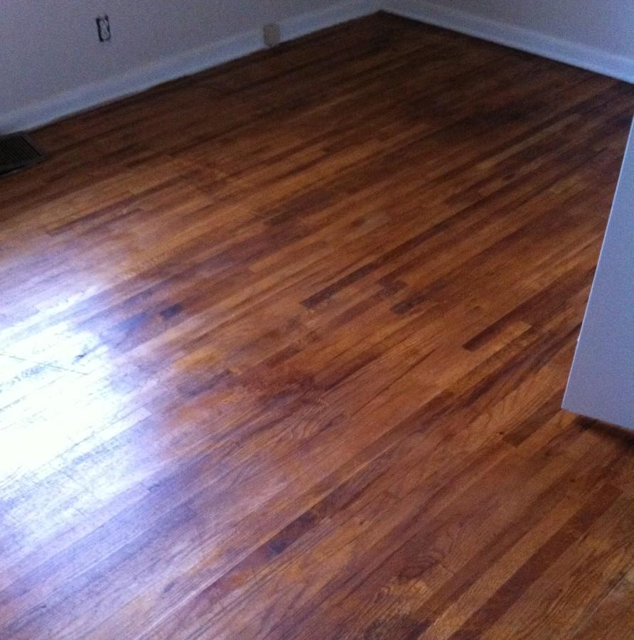 Hardwood floor a jewel under the carpet mom in music city for Missouri hardwood flooring